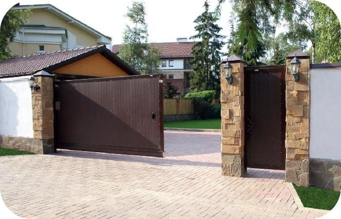 Уличные сдвижные ворота стандартных размеров
